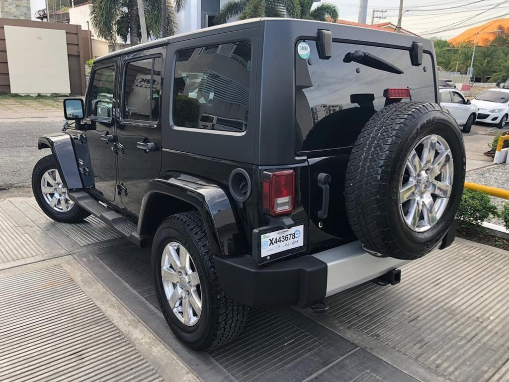 Jeep Wrangler Sahara Unlimited 2012 - 2