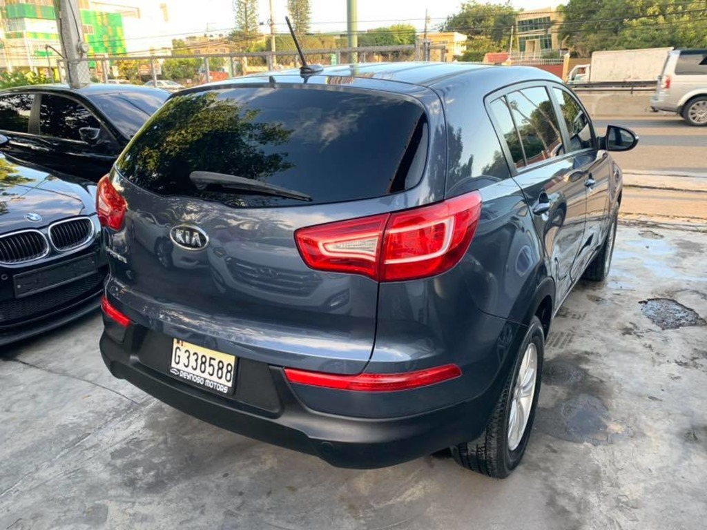 KIA SPORTAGE 2011 VERSION AMERICANA - 4