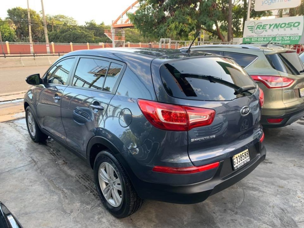 KIA SPORTAGE 2011 VERSION AMERICANA - 8